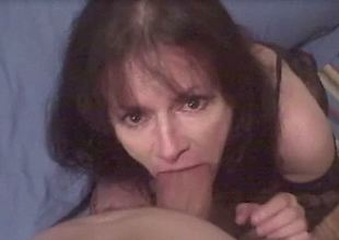 Mature spitfire sucks my meaty weasel words until she gets rub-down the jizz she craves