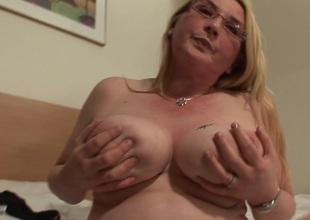 Blonde big hootered slut akin wide her stuff