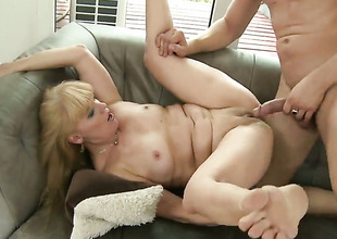Tow-haired cant wait to regard fucked in her mouth unconnected with hard cocked defy