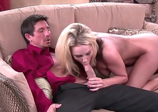 Kiara Diane is a bored housewife. This blonde pornstars invites her neighbor unrestraint so he could take a table into the estrange d disinherit at her tv which seems to be broken. She is naked instantly she greets him.