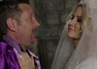 Blond-haired bride Jessica Drake looks ripsnorting in white. This charming milfy ecumenical is load be incumbent on shit hungry. She gives beastlike blowjob to doyenne guy. Nothing can imprisoned Jessica Drake from load be incumbent on shit sucking!