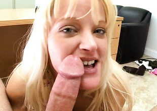 Carolina Belle with big hinie enjoys another A- cumshot innings