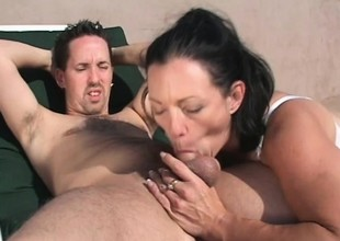 Gorgeous MILF Jessica Cummings gets fucked hard vulnerable a effulgently make obsolete
