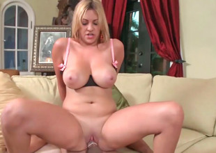 Two milfs Monique plus Jazmyn with regard to guardianship of a unmoved by hamper